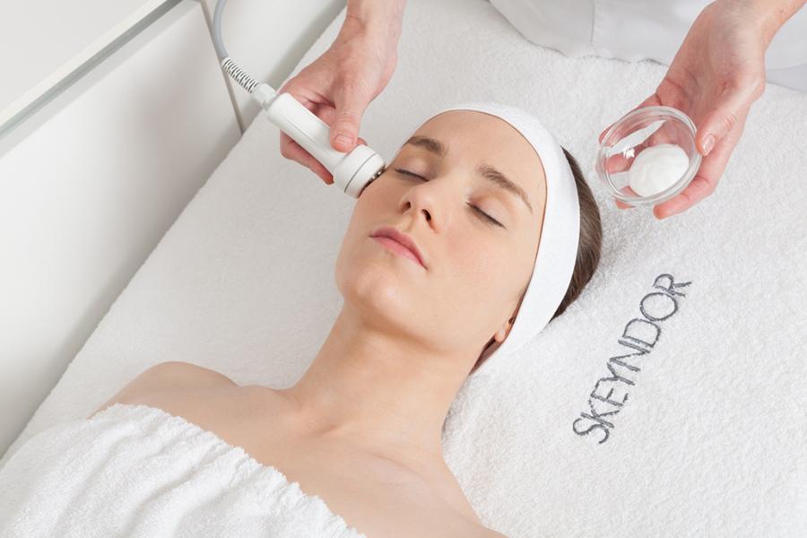 Le Traitement MESO BRIGHT est une solution idéale pour une peau qui souffre d'hyperpigmentation, de taches