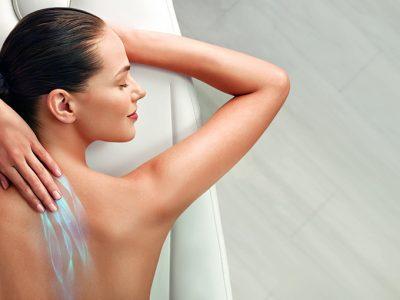 Soins du corps, gommage, massage, massage relaxant, pierres chaudes, huiles essentielles, fleurs de tiaré, jambes