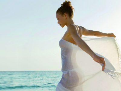 Epilation, sourcils, bikini, cuisses, lèvres, bras, jambes complètes, aisselles.